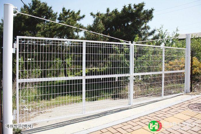 메쉬쌍문-백색-휀스종류-철망-울타리-팬스-담장-fence-현대휀스개발